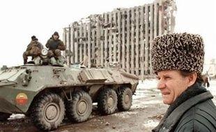 """""""Il n'y aura pas de vide du pouvoir"""", déclare Vladimir Poutine lors de son arrivée à la tête de l'Etat russe, en 1999. Il a alors déjà engagé le pays dans un guerre contre les rebelles tchétchènes qui fera des dizaines de milliers de victimes."""