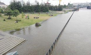 Le parc des Chantiers inondé, près des Machines de l'île, à Nantes.