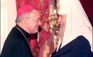 Un an après la disparition de Jean Paul II, le dégel se fait attendre entre catholiques et orthodoxes en Russie, en raison du contentieux ukrainien et des accusations de prosélytisme à l'encontre des prêtres envoyés par Rome.