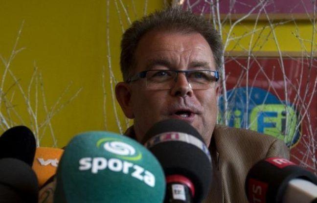 L'équipe Cofidis s'est recentrée sur son objectif sportif, mercredi à Mâcon, au départ de la 10e étape du Tour de France, au lendemain de l'arrestation de l'un de ses coureurs, Rémy Di Grégorio, dans une affaire de dopage présumé.