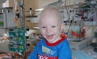 Les parents de Jamie Inglis ont récolté plus de 478.000 euros pour le sauver du cancer.