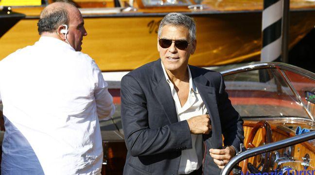 Après avoir aidé son voisinage victime d'inondations, George Clooney est célébré en Italie