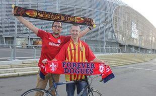 Sylvain, le Lensois, et Johan, le Lillois, vont parcourir à vélo les 227 km entre le stade Pierre-Mauroy et le Stade de France.