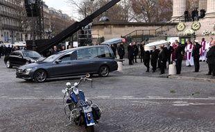 Le cercueil de Johnny, ce samedi devant la Madeleine.