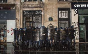 Des forces de l'ordre à Paris, le 9 janvier 2020.