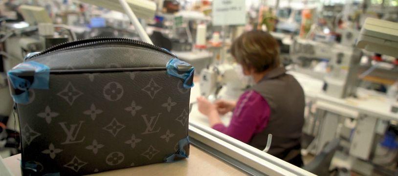 L'atelier de fabrication Louis Vuitton à Sainte-Florence (Vendée), le 9 avril 2020.
