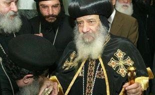 Le chef de l'église copte orthodoxe d'Egypte, le patriarche Chenouda III, est décédé samedi à l'âge de 88 ans, laissant derrière lui une communauté inquiète face à la poussée islamiste dans le pays après la chute du président Hosni Moubarak en février 2011.