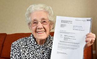 A 99 ans, Doris Ayling, habitante de Bognor Regis (Sussex, Royaume-Uni), a reçu, en juin 2015, une lettre de l'hôpital lui annonçant qu'elle est enceinte.