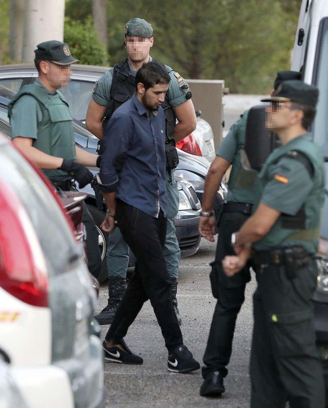 Le quatrième suspect placé en liberté surveillée — Attentats en Espagne