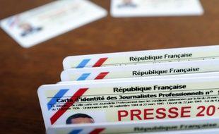 Les cartes de presse sont délivrées Commission de la carte d'identité des journalistes professionnels (CCIJP).