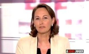 Capture d'écran de l'intervention de Ségolène Royal dans l'émission A vous de juger du 16 novembre 2010.