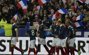 L'équipe de France lors de son match amical perdu contre le Brésil (1-3), le 26 mars 2015 au Stade de France.
