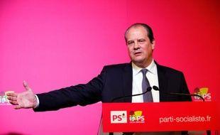 Le Premier secrétaire du PS Jean-Christophe Cambadelis, le 15 décembre 2015 à Paris lors d'une conférence de presse