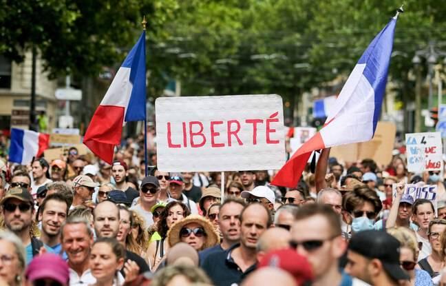 Pass sanitaire: Des manifs partout en France pour le troisième samedi consécutif