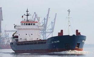 L'accident s'est produit jeudi soir à bord du cargo Fri Dolphin au large du Finistère.
