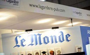 Le stand du journal «Le Monde» au Salon du livre de Paris en mars 2008.