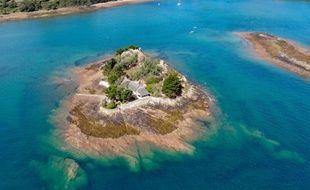 Située près de l'archipel de Bréhat, l'île de Roch Ar Hon fait 6.420 m2.