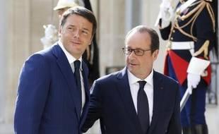 Le président français François Hollande et le Premier ministre italien Matteo Renzi, le 30 août 2014 à l'Elysée, à Paris