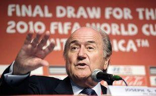 Le président de la Fifa Sepp Blatter lors de d'une réunion du comité exécutif sur la Coupe du Monde 2010, au Cap, le 2 décembre 2009.
