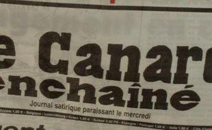 Le Canard enchaîné a déniché la taxe Tobin, ardemment souhaitée par le président Nicolas Sarkozy, au fin fond du code des impôts où elle dormait, jamais appliquée depuis son vote à l'initiative du gouvernement de Lionel Jospin, le 13 décembre 2001.