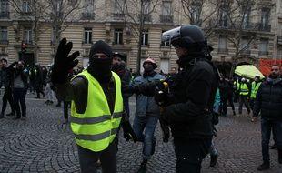 Un «gilet jaune» à Paris, le 12 janvier 2019.