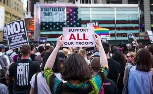Une manifestation de soutien aux soldats transgenres, le 25 juillet 2017 à New York.