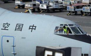 Un llyushin lL-76 chinois à son arrivée à l'aéroport international de Perth le 10 avril 2014 après avoir participé aux dernières opérations de recherches de l'épave du vol MH370 de la Malaysia Airlines