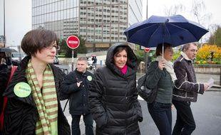 Le 25 mars 2014. A quelques jours du second tour des elections municipales, Anne Hidalgo vient soutenir la candidate PS Carine Petit dans le 14e arrondissement.
