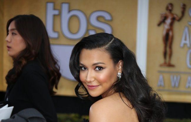 Des stars de «Glee» rendent hommage à Naya Rivera en visitant le mémorial de la star, devant la Lac Piru