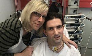 Vavier Saunier et sa maman, à l'hôpital de Strasbourg Hautepierre.