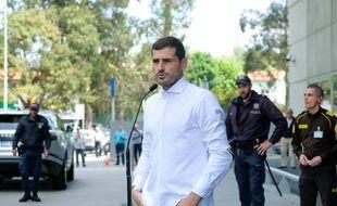 Iker Casillas à sa sortie de l'hôpital.