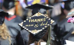 Des stars américaines risquent la prison pour avoir versé des pots-de-vin pour faciliter l'entrée de leurs enfants dans des universités prestigieuses américaines.