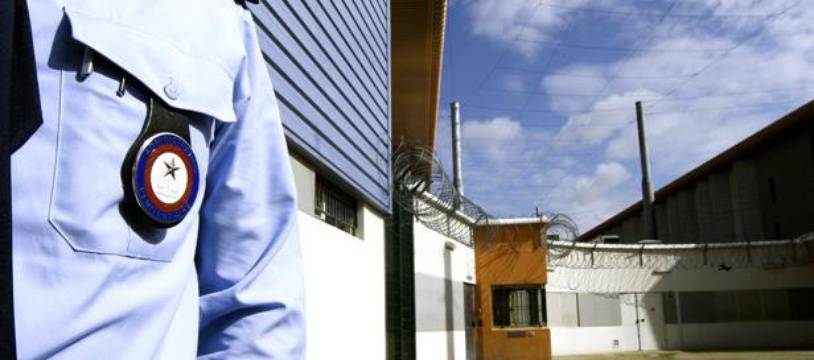 Un gardien de prison dans la maison d'arrêt de Seysses.