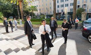 Le Premier ministre Manuel Valls lors de son déplacement en Corse le 4 juillet 2016