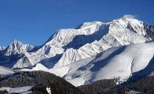 Les stations de ski font le plein pour la troisième semaine des vacances d'hiver mais la fréquentation des hébergements était en léger recul, a indiqué vendredi le cabinet d'études Protourisme.