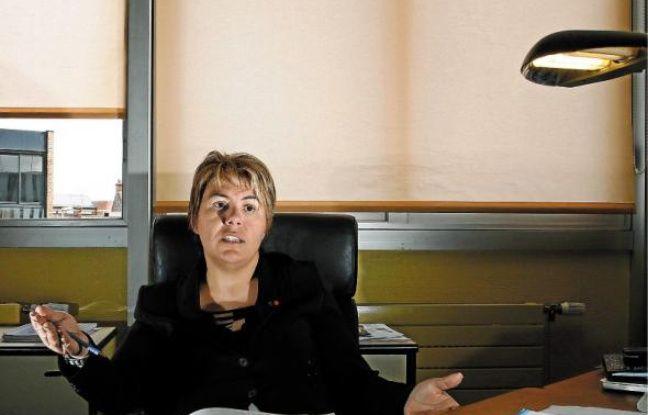La maire (PS) de Denain, Anne-Lise Dufour-Tonini, va découvrir l'Assemblée.