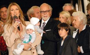 Rex Features Celine Dion et son mari Rene Angelil avec leurs enfants