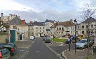 Capture d'écran Google Street View de la place Marcel-Plaisant, à Bourges, où se situe la préfecture du Cher.