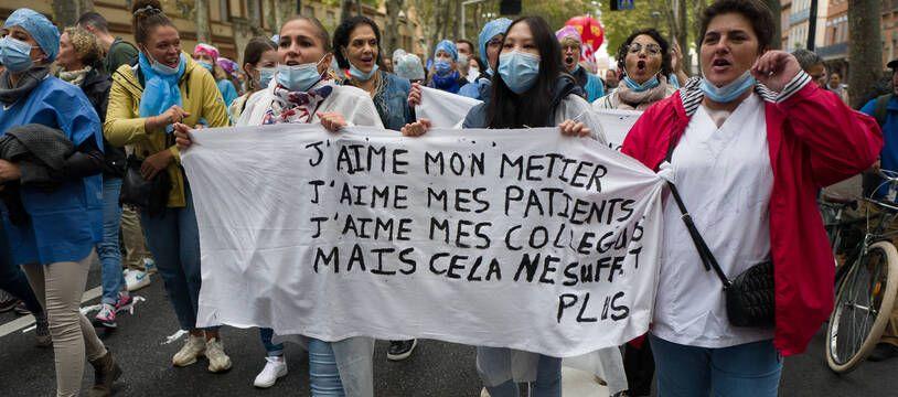 En première ligne depuis plus d'un an, les soignants manifestaient le 5 octobre pour faire valoir leurs droits. (Illustration)