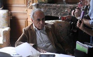 Ziad Takieddine, sulfureux homme d'affaires franco-libanais, est soupçonné d'avoir perçu des dizaines de millions d'euros de commissions « indues », dont une petite partie a atterri sur les comptes de la campagne d'Edouard Balladur.
