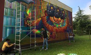 Le lycéen Mattéo Cervera a invité l'artiste Cix Mugre à Talence.