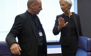 Le ministre grec des Finances Yanis Varoufakis et la directrice du FMI Christine Lagarde lors d'une réunion de l'Eurogroupe à Luxembourg, le 18 juin 2015.