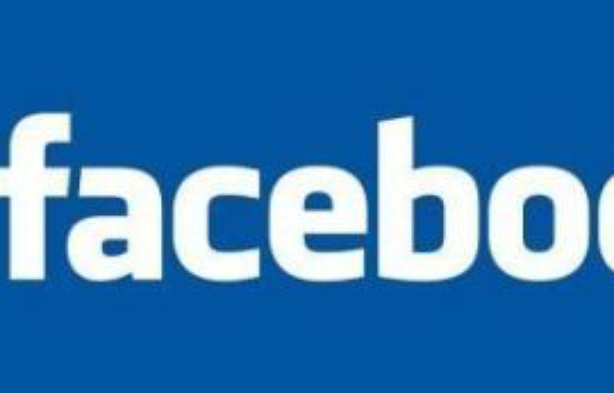Les grèves touchant les transports publics, les universités et bientôt la fonction publique, ont suscité sur le réseau de socialisation Facebook la création de groupes hostiles à ces mouvements sociaux, souvent animés par des jeunes proches de l'UMP. –  Facebook