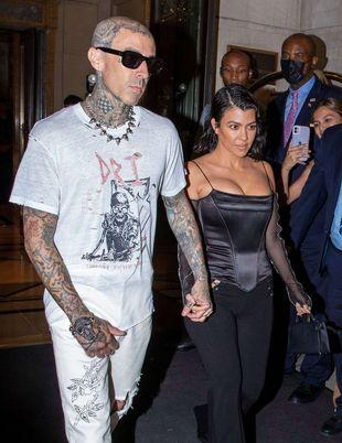 Kourtney Kardashian sort diner avec Travis Barker à New York le 11 septembre 2021.