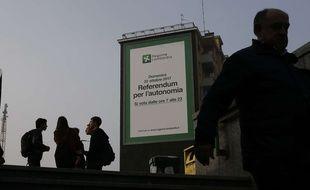 Une affiche pour le référendum sur l'autonomie à Milan, le 20 octobre 2017.