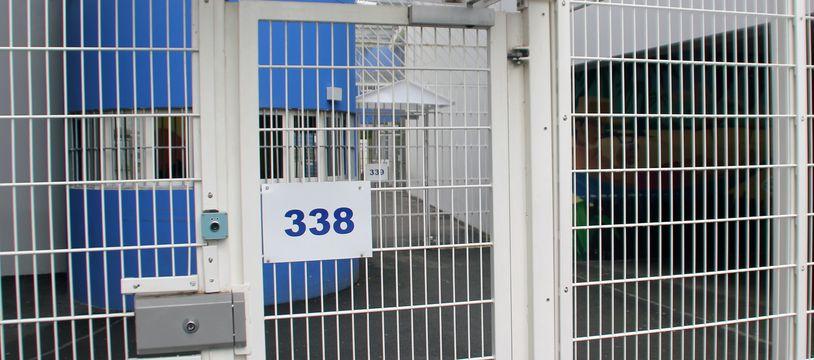 Accusé de complicité de meurtre, le jeune homme de 24 ans a passé près de quatre ans en détention provisoire avant d'être acquitté.