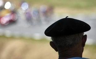 Le tribunal de commerce de Pau a ordonné mardi le placement en redressement judiciaire de trois sociétés sur les cinq qui composent Béatex, la dernière fabrique française de bérets basques qui emploie 45 personnes à Oloron-Sainte-Marie (Pyrénées-Atlantiques).