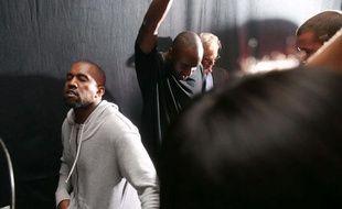 Kanye West faisant écouter son album Yeezus à des amis, à New York, juin 2013