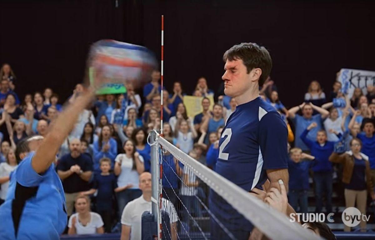 Scott Sterling arrête toutes les attaques de la tête dans sa vidéo. – Capture d'écran/Studio C
