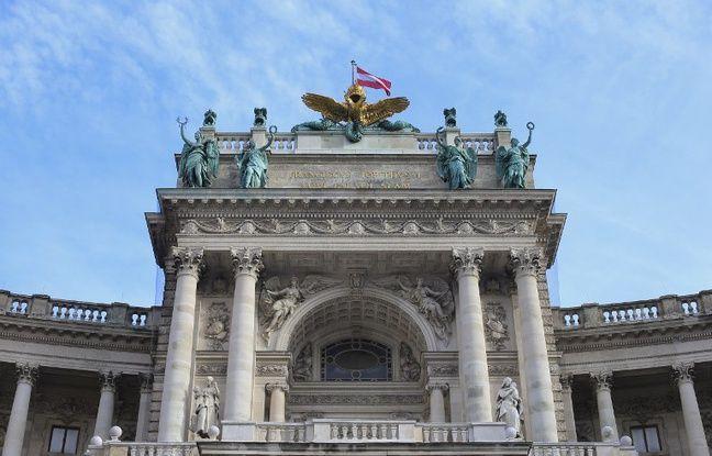 nouvel ordre mondial | Autriche: A Vienne, un collectif demande la destruction d'un balcon construit pour Hitler
